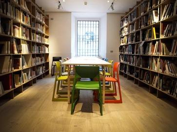 Librerie a parete.