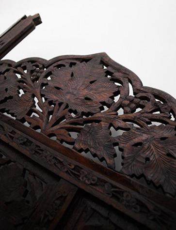 Testata letto in legno.