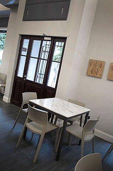 Tavoli per ristoranti piano in marmo.