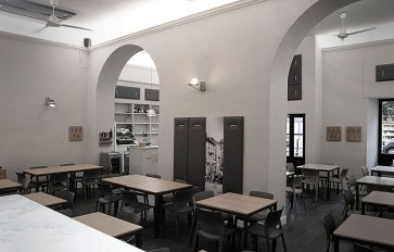 Arredo pizzeria moderna La Spezia.