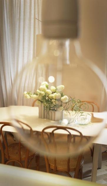 Tavolo e sedie Thonet originali.