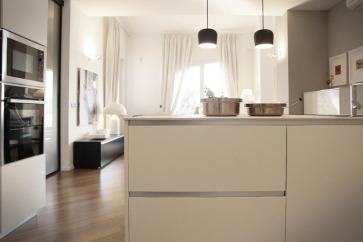Cucina in laminato Fenix NTM bianco.