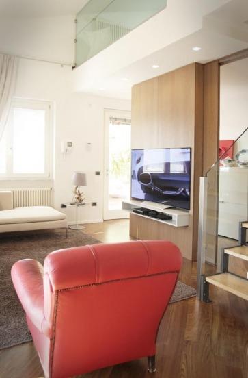 Boiserie legno per TV e HI FI.