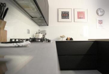 Piano cucina in ceramico Laminam.