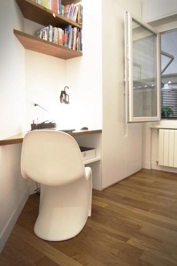 Angolo scrivania con sedia Panton Chair.